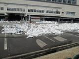 残雪が結構残ってた越後湯沢駅駐車場