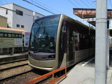 我孫子道を発車する堺トラム1002号車