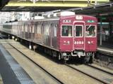 南方駅に到着する準急電車@3300系