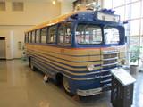 キャブオーバー型バス