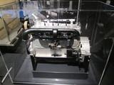 大型ガソリンエンジン
