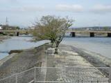 河川合流地点を撮る