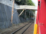 山陰本線下り線を走るトロッコ列車