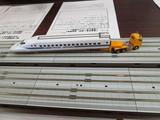 道路輸送の700系新幹線電車