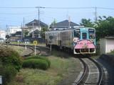 那珂湊駅に進入する37100形列車