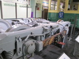 第三軌条式集電装置付台車