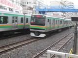 両者トップスピードな東海道線列車