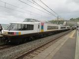 柏崎から列車が到着寸前