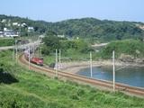 直江津方から貨物列車接近