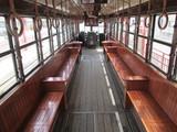 「KURO電車」の車内