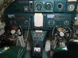 立体的に動くので飛行機っぽい操舵桿