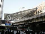 ヨーロッパ調のデカイ屋根が駅を覆う