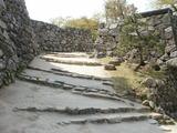 天守閣真下辺りの階段