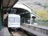 終着駅らしいドームと電車