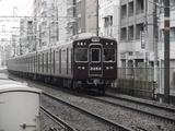 南方駅に進入中の3300系