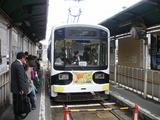 天王寺駅前に停車中のモ701号車