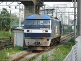 新鶴見信号所へ進入するEF210